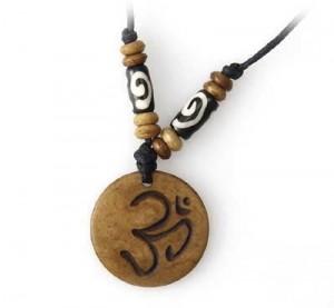 Yak Horn Anhänger - Tibet-Style, Om 6