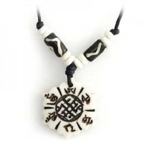 Yak Horn Anhänger - Tibet-Style, Endloser Knoten, Om Mani Padme Hum 1