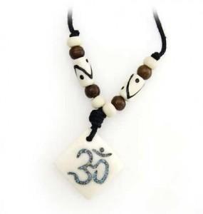 Om Anhänger aus Horn/Stein - Tibet-Style 1