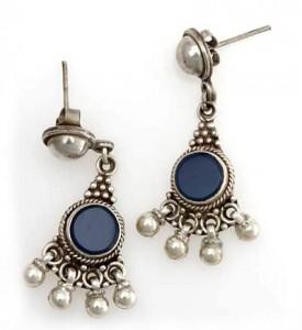 Silber-Ohrringe mit blauen Steinen