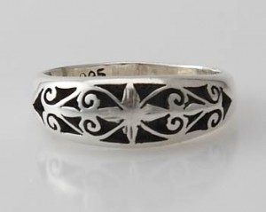 Ring Sterlingsilber (925) aus Nepal, Innendurchmesser 19 mm.