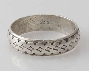 Ring Sterlingsilber (925) aus Nepal, Innendurchmesser 20,5 mm.