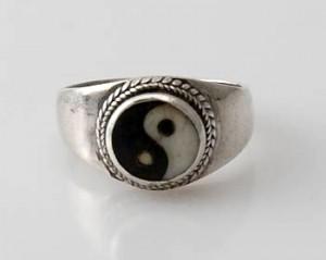 Ring Sterlingsilber (925) mit Ying/Yang aus Nepal, Innendurchmesser 16,5 mm.