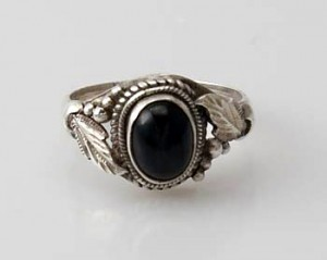 Ring Sterlingsilber (925) mit Black Star aus Nepal, Innendurchmesser 17,5 mm.