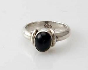 Ring Sterlingsilber (925) mit Black Star aus Nepal, Innendurchmesser 16 mm.