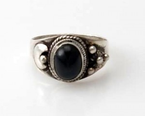 Ring Sterlingsilber (925) mit Black Star aus Nepal, Innendurchmesser 18 mm.