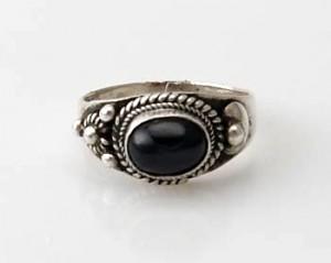 Ring Sterlingsilber (925) mit Black Star aus Nepal, Innendurchmesser 19 mm.