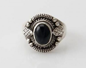 Ring Sterlingsilber (925) mit Black Star aus Nepal, Innendurchmesser 17 mm.